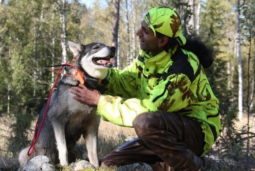 Lalith med sin SM-vinnare, Brännforslidens Freja Foto: Holger Nilsson, Jaktjournalen