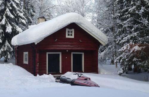 Någon vinter fick vi knappt uppleva i södra Sverige men uppe vid vår stuga var det både snö och kallt vid besöket i februari 2013