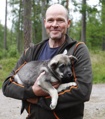 Cosmos bor nu i Norge och kommer att jaga med Espen.